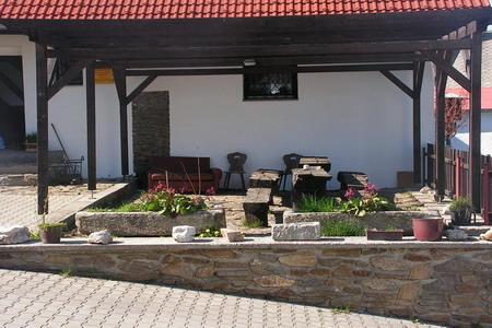 Agroturistika - venkovská turistika - Farma na šumavské samotě - venkovní posezení